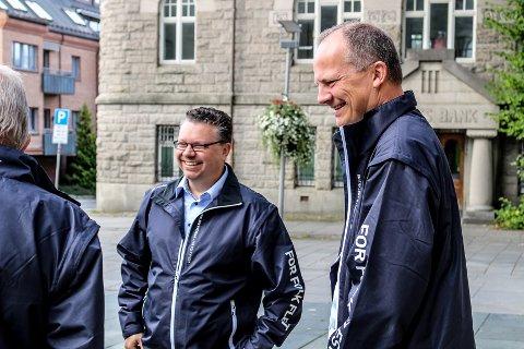 BLIR SJEF: Ketil Solvik-Olsen blir administrerende direktør for Bård Ekers fergeselskap. Her er han på besøk i Fredrikstad sammen med partifelle Ulf Leirstein i forbindelse med valgkampen i 2018.