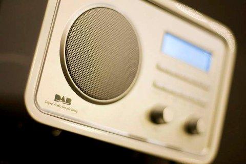 OVER PÅ DAB: Onsdag 20. september fortsetter radioen på nytt nett.