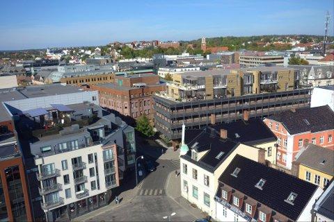 TO NYE ETASJER: Slik så arkitektene for seg i 2014 at de to nye etasjene på Nygaardsgata 33 ville bli seende ut. Ifølge Cityplan er det ikke gjort særlig med  endringer på prosjektet det søkes rammetillatelse til nå.