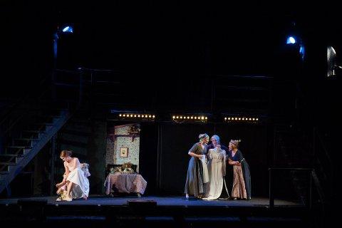 4dd6481c ... Den Hvite Dame · Teater. – I løpet av året har manusforfatter Hanne  Hagerup fra Fredrikstad skrevet om og strammet inn