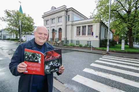 Starten: Det var her, på Phønix i 1932, at byoperetten første gang ble spilt. Jørn Enger har nå skrevet dens 85-årige historie.