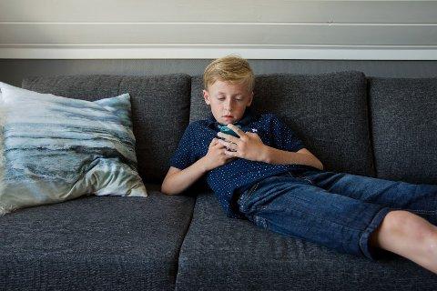 DIGITAL HVERDAG: At en 12-åring i dag har sin egen mobiltelefon er ikke unormalt.