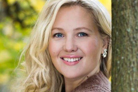 Bok på gang: 6. og 27. mars kommer Lene Julsens bok om hennes  liv med naturmannen.