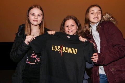 Birolle-jentene: Alle tre har en rolle i den sylferske norske feelgood-filmen. Emma Heimark (fra venstre), Karoline Torgauten og Pernille Sofie  Olsen spiller til daglig i barneteater.