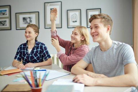 Flere trinn: Elever på både barne- og ungdomstrinnet i Moss får nå teste ut en hverdag uten lekser. Lederen av oppvekstutvalget i Fredrikstad vil følge prosjektet nøye.