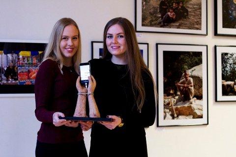 Skulpturen «Skjermlås» tok Karina Bråten (til venstre) og Urd Svennevig helt til landsfinalen i UKM i fjor.