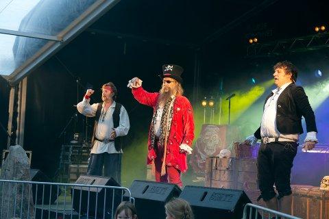 Utsolgt: Barneforestillingen med Kaptein Rødskjegg satte salgsrekord for Råde Parkfestival. – Vi solgte over 700 billetter, forteller Frederikke Stensrød. (Arkivfoto)