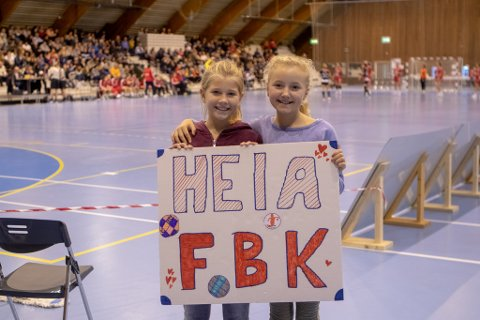SKAL FYLLE HALLEN: Målet er å få inn 1.500 tilskuere på søndagens kamp mellom FBK og Larvik.