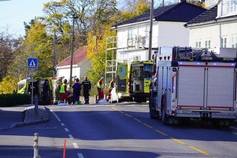 To fotgjengere ble påkjørt på Storveien på Gressvik mandag formiddag.
