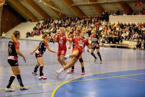 I SKUDDET: Andrea Rønning noterte seg for hele seks fulltreffere mot Besancon søndag.