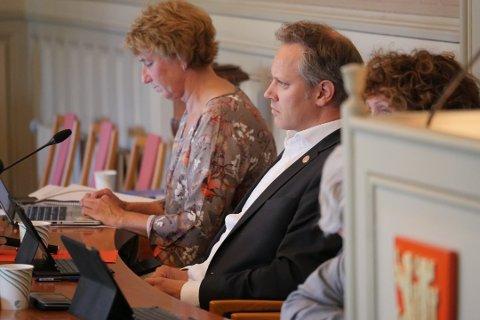 Starter forhandlinger  med Hafslund: Ordfører Jon-Ivar Nygård vil engasjere en finansrådgiver. Han ber formannskapet, og i neste omgang bystyret, om å gi grønt lys for å starte en salgs- eller fusjonsprosess. (Foto: Øivind Lågbu)