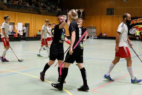 BLE FOR SMÅ: FIBK klarte ikke sette sjansene sine, og tapte for serieleder Greåker. Her fra kampen mot Slevik, hvor Fredrikstad nettopp har sluppet inn en scoring. Arkivfoto: Ida Christin Foss