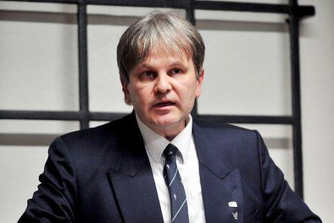 VIL VITE: Kontrollutvalgsleder Rune Grundekjøn vil be om mer informasjon om saken i utvalgets første møte på nyåret.