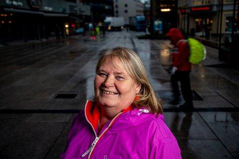 Takker donorene: Rita Molvik (50) fra Fredrikstad synes det er leit at donasjonstallene går ned. Han har selv fått to nyretransplantasjoner. Molvik oppfordrer flere til å snakke med sine nærmeste om organdonasjon.