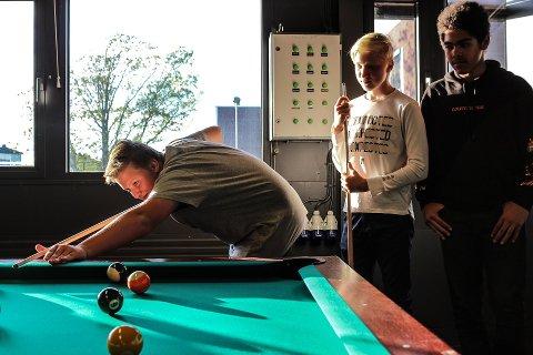 Innbyggerne på Rolvsøy ønsker seg egen fritidsklubb. Her fra åpningen av den nye fritidsklubben på Østsiden i september. Den er et resultat av et innbyggerinitiativ for fire år siden.