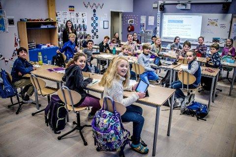 Små klasser: 21 elever er høyeste antall i klassene på CIS, og ifølge daglig leder Lise Holman en av flere suksessfaktorer til høyt faglig nivå. Her er 5. trinn som ble landets tredje beste klasse på nasjonale prøver i 2016.