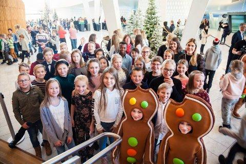 Opplevelse: Sjetteklassingene ved Sagabakken fikk en solid dose ballett i operaen i Oslo, med «Nøtteknekkeren» på programmet.
