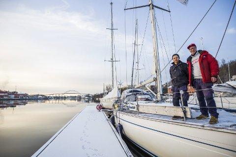 Alt for seilbåten: Ved tidligere  Kiærs Bruk vil Kjetil Kjenner, til venstre, og Erik Welin-Larsen lage et senter for seilbåt hvor eierne kan få hjelp med alt på ett sted. Alle foto: Felix Ellingsrud
