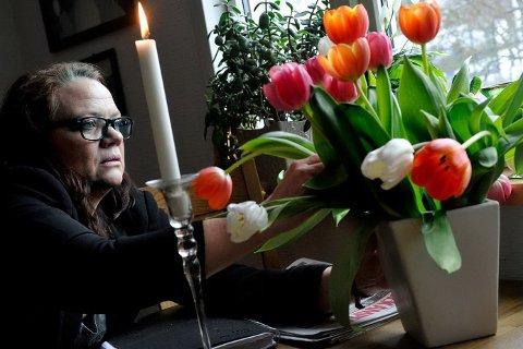 Camilla Eidsvold savner foreldrene sine i julehøytiden. – Jeg savner mamma og pappa hele året. Hadde vært fint med «den gode samtalen», fordi deres levde liv og kunnskap har alltid vært en inspirasjon.