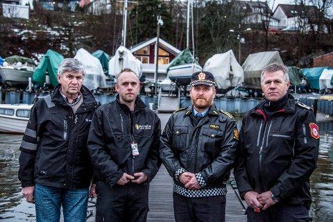Natt til 1. nyttårsdag forsvant Svein Greaker Bellmann i båthavna på Nabbetorp. Nå vil båtforeningen han var en del av minnes ham med en beredskapsbåt.  Fra venstre Rino Grunde, kasserer i Nabbetorp båtforening,  Ted Greaker, Svein stesønn, Ivar Prestbakken, stasjonssjef ved Fredrikstad politistasjon og Rune Robertsen, beredskapssjef i Fredrikstad.