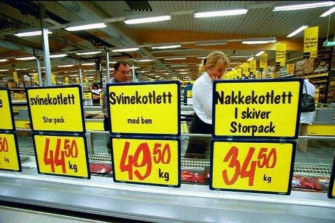 Nå er det billigere å handle inn mat i Sverige enn på lang tid.