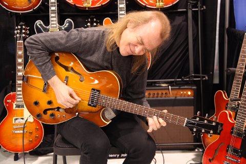 Gitar-ekvilibrist: Jazz-gitaristen David Becker kommer til Gamlebyen Kulturhus