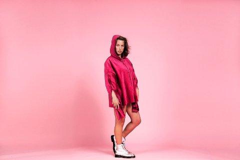 Silje Halstensen er en norsk musiker kjent under artistnavnet Bendik. Hun har gitt ut tre musikkalbum,  og ble nominert til Spellemannprisen i 2014 og 2016.