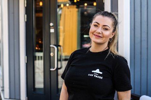 ÅPENT: Nejra Osmic er daglig leder på Los Tacos, og er godt fornøyd med at kjeden endelig har åpnet i Fredrikstad.