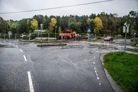 BLIR FORKJØRSVEI: I løpet av juni skal Øyenkilenveien i Onsøy reguleres om til forkjørsvei.