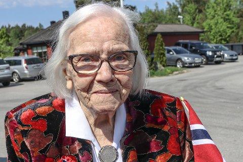 Snart 100 år: Margit Linnea Olsen feiret sin 17.mai nr. 100.