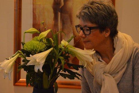 GRØNNE FINGRE: Mette Gry Larsen liker å dele sine hageerfaringer på bloggen.