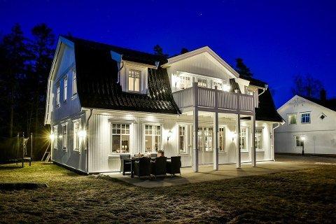 Denne boligen på Begby ble kuppet av en kjøper før andre fikk komme på visning. Prisantydningen var på 7,5 millioner kroner, men selger fikk betydelig mer enn det, ifølge megleren.