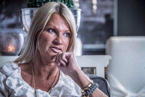 – Jukset ikke: Hvaler Høyres ordførerkandidat, Marita Wennevold Hollen, sier i dag at hun skulle ønske hun ikke la inn BI på sin LinkedIn-profil. Men hun nekter for å ha bevisst lagt inn mer utdanning enn hun har.