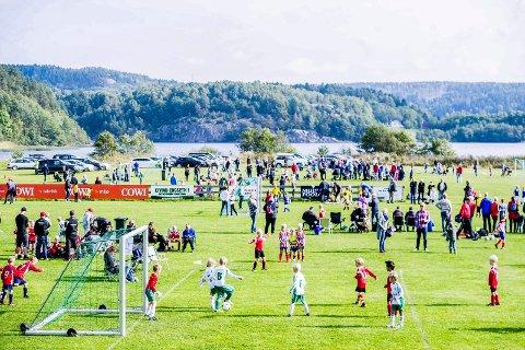 Cup gir inntekter: Hver høst har Nylende IF en stor turnering for de yngste fotballspillerne. Det gir et godt bidrag til klubbøkonomien, slike at avgiftene kan holdes lave.