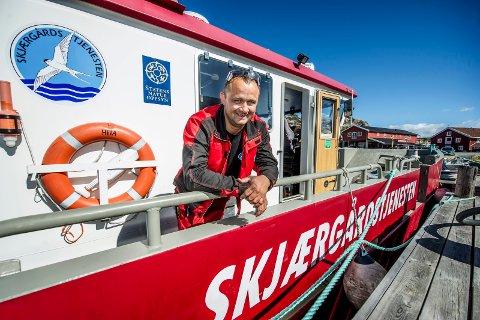 Bård-Henrik Vikerheim forteller at Skjærgårdstjenesten henter opptil 35 båtvrak i året.
