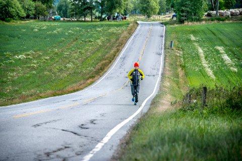 Mil etter mil: Gregor Gucwa tilbakelegger 120 kilometer i uken. 23. juli skal han til USA hvor ultramaratonet Badwater venter - et 217 kilometer langt løp. (foto: Geir A. carlsson)