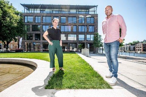 Nye i byen: Camilla Transel og Arthur Nygaard er to av de åtte ansatte i Plus arkitektur som nå har Fredrikstad som arbeidssted.