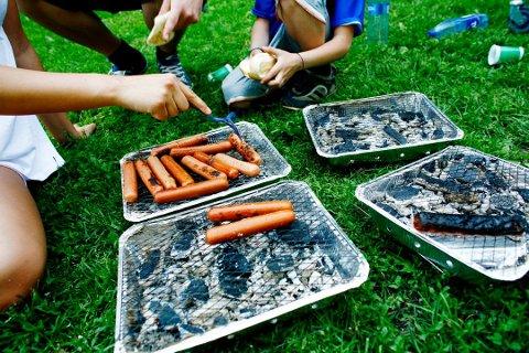 TOTALFORBUD: Det er fortsatt totalforbud mot å grille i naturen.