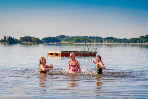 (Fra venstre): Tuva Bryne Engseth, Vilde Bryne Engseth og Adriana Viola Lunde Andersen.