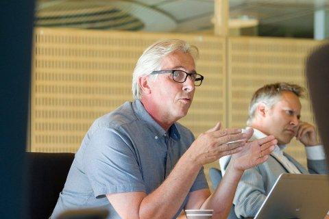 Skal forhandle om sluttavtale: Rådmann Ole Petter Finess, til venstre, ønsker å fratre som rådmann og inngå en sluttavtale. Ordfører Jon-Ivar Nygård er en av fire politikere i forhandlingsutvalget. (Arkivfoto: Christine Heim)