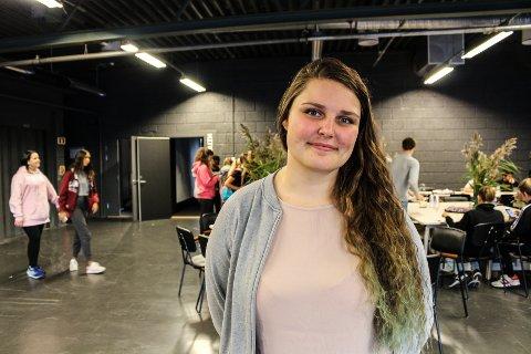 Vant frem: Emmeli Heieren Hedvald (22) var en av dem som tok initiativ for å redde Torsnes' fritidsklubb. Nå får de 460.000 fra kulturbudsjettet. For nedleggelsesspøkelset forsvant.