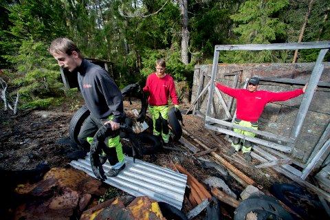 JOBBER FOR BYEN: Gjennom 25 år har Fasvo hatt små og store oppdrag i Fredrikstad. Sjefene til Johan Nylund (t.v.), Marius Andersen og Joakim Blum er sikre på at de rundt 100  ansatte i bedriften er byens beste når det kommer til arbeidsinnsats.