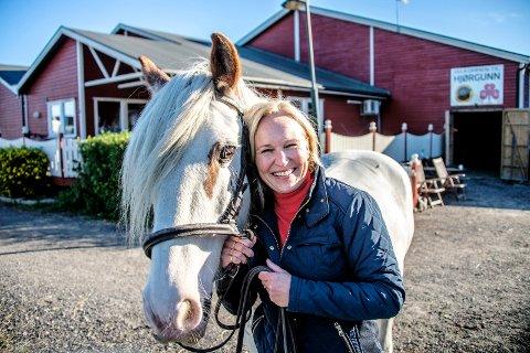 Allsidig: Monica Berg Fluske har tatt over lederjobben på Hjørgunn etter Cathrine Solheim. Berg Fluske har bakgrunn fra økonomi og ledelse og en bachelorgrad i psykologi.