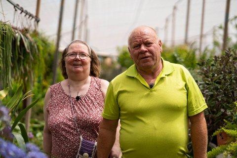 Bjørge Olsen fra Onsøy og kona Tove Iren legger ofte turen til Sverige for å handle løk. Onsøy-mannen er ikke bekymret for det som ser ut til å bli en løkkrise her i landet.