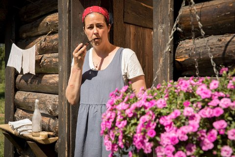 – Foruten familien var det frukt og klokke jeg savnet mest, sier radiorebellen Mina Hadjian som ble Farmens Frøken-ur.