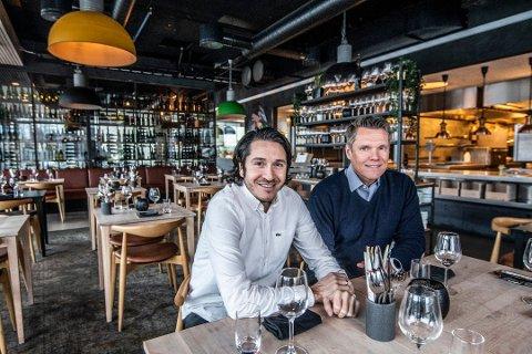 I FULL GANG: Erik Tronbøl (til høyre) og Rodrigo Belda i Delicatessen er i full gang med rekrutteringen til den nye restauranten i Litteaturhuset. Belda forteller at de vil ta med seg noen ansatte fra Fabel, i tillegg til at de skal ansette noen nye fjes.