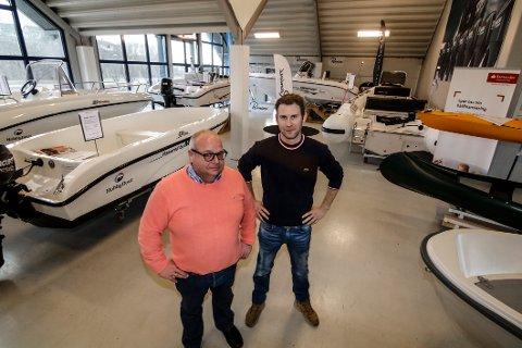 Samarbeider. Frode Johansen (foran) og Anders Karlsen driver det nye maritime firmaet sammen.
