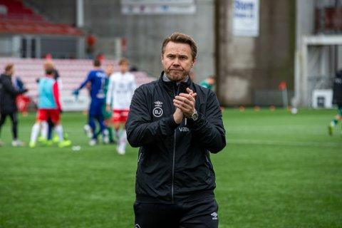 INGEN VILL JUBEL: FFK slo Kvik Halden 2-0 i prestisjeduellen, men i kampen om kvalifiseringsplassen er haldenserne i førersetet så det holdet. Derfor jublet ikke Bjørn Johansen ellevilt etter seieren.