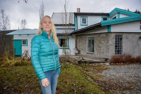 Huset til Hilde Lorentzen har mange vinkler og kroker, men det er nok det spreke fargevalget de fleste legger merke til.
