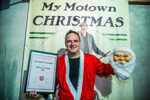 Snart klar: Julenisse Odd René Andersen er snart klar for den åttende utgaven av juleshowet. Det er en av tingene som ga ham trivselpris.